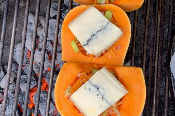 Recette-Butternuts farcies aux légumes et fromage au barbecue